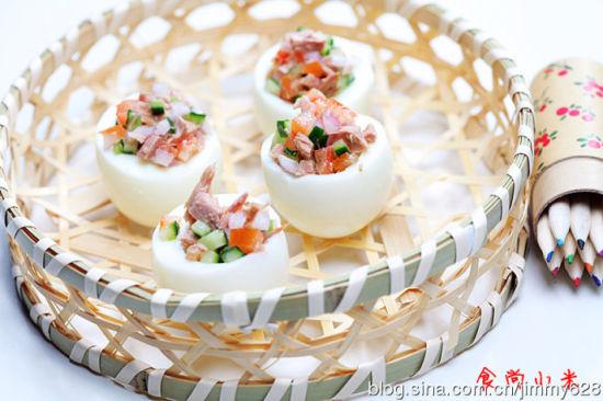 蔬菜金枪鱼镶蛋盅
