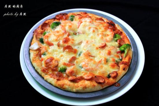 脆肠鲜虾披萨