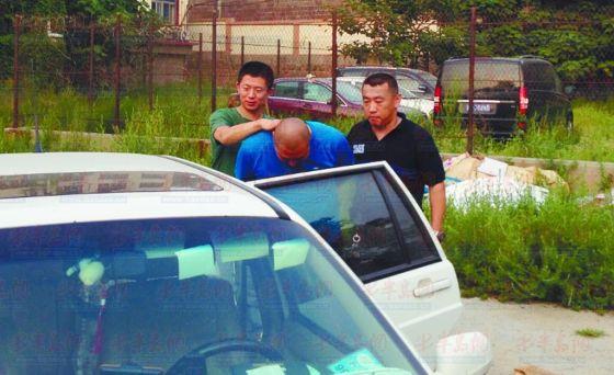 8月8日,潜逃了19年之久的高某,被辛克伟和陈增杰抓获。