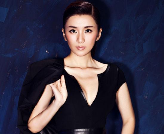 刘庭羽最新写真帅气造型女汉子来袭