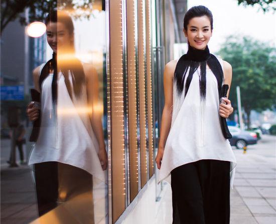 李晟时尚街拍写真气质女神潮范黑白配