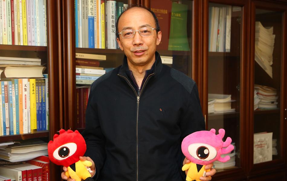 新浪山东城市频道专访山东省教育厅总督学徐曙光