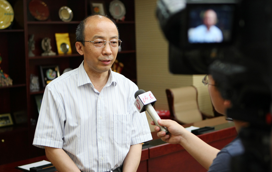 山东省教育厅总督学徐曙光接受媒体采访