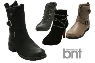 多样种类的靴子带有各色各样的装饰设计