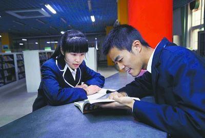 济南外国语高中的双胞胎兄妹哥哥张云泽被保送北京外