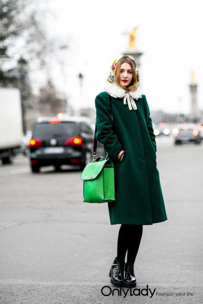 出位靠它 纯色大衣席卷街头