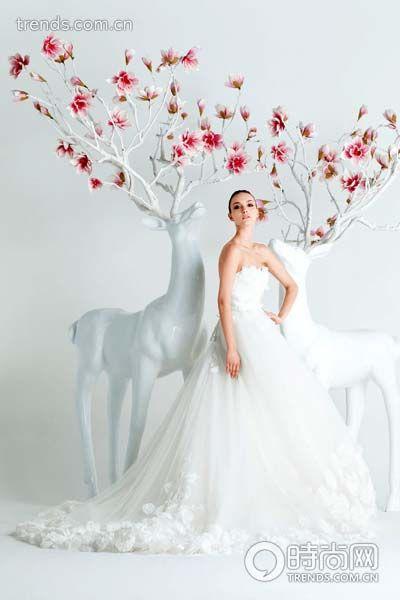 极致臻美 如仙飘逸的浪漫嫁纱