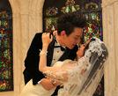 张杨果而百克力上海完婚相拥亲吻