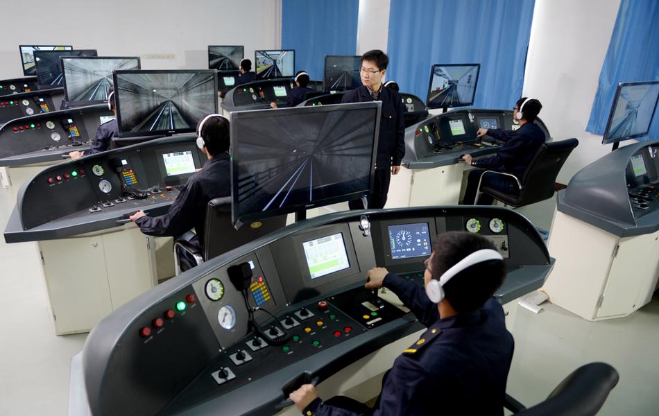 轨道交通学院实训室