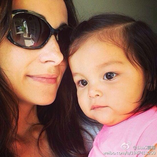 吴彦祖女儿一岁生日