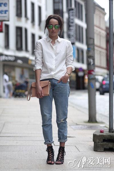 卷边牛仔裤搭配马丁靴其实也是一个不错的显高搭配