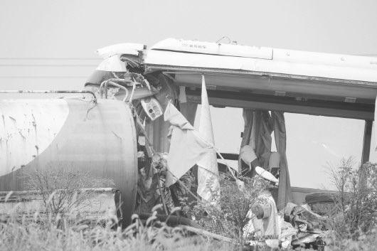 7月27日,青银高速淄博段两车追尾。事故现场,相关部门正在进行处理。