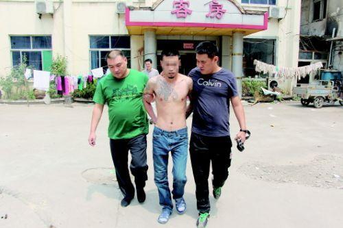 8日上午,历城警方抓获抢劫案嫌疑人朱某某。