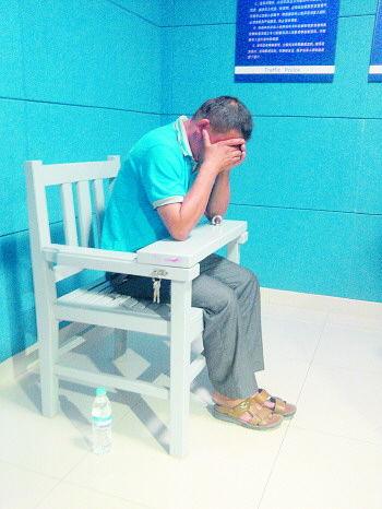 肇事逃逸的夏某将面临15日的拘留。记者 吴永功 摄
