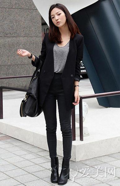 黑色宽松t恤如何搭配