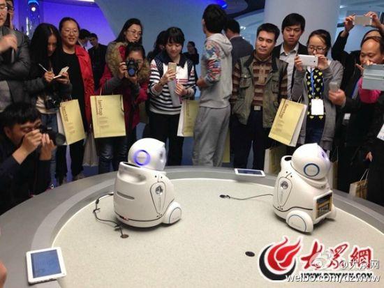 """今天,""""聚焦'一圈一带'——第十届中国网络媒体山东行""""采访团记者来到临沂市中印软件产业园。"""