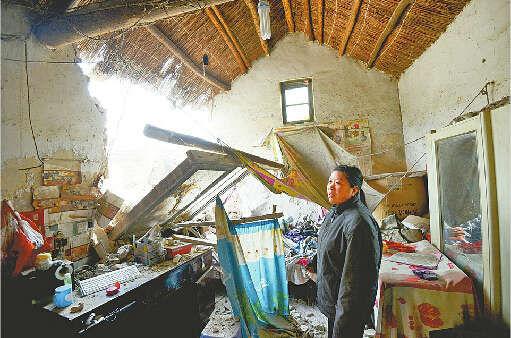 济南12岁少年在家睡觉因卡车撞塌房子被埋(图)