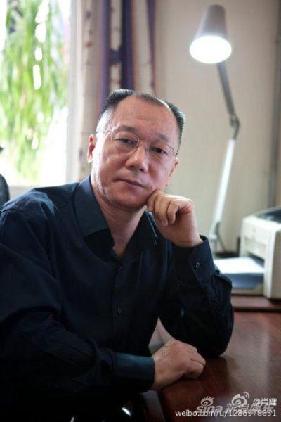 清华教授肖鹰