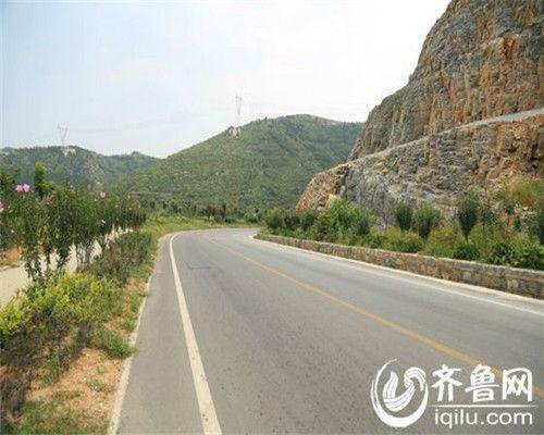 济南市政府已将农村公路建设和管理养护资金纳入2015年度财政预算,各县(市)区政府也在积极运作之中。