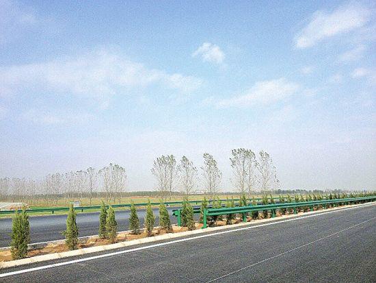 济乐高速即将竣工通车。(李东 摄)