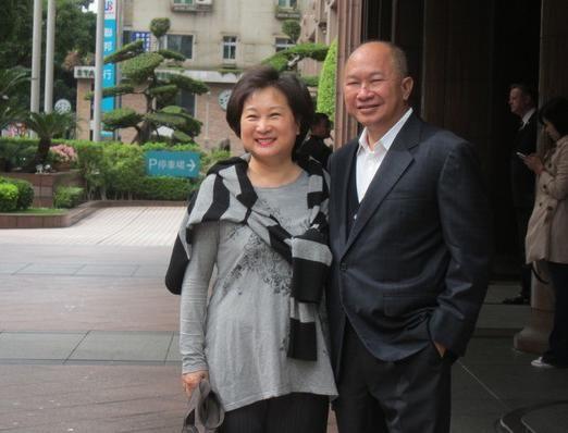 吴宇森与妻子