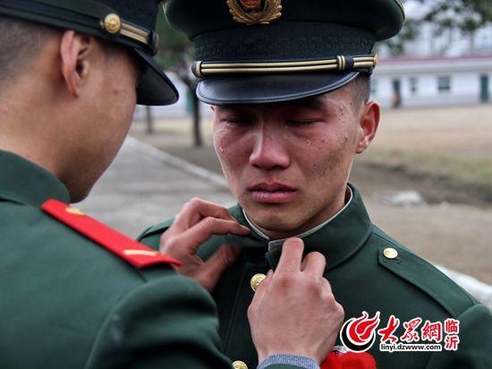 班长军服 刘源向母校赠军服 班长军服 纳粹军服 宋仲