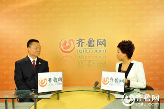 赵刚在节目中介绍反贪污贿赂局的业务范围