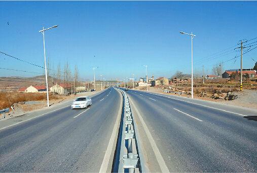242省道双山至文祖段改造完成并通车。记者张刚 摄□本报记者 卢明 张丹丹