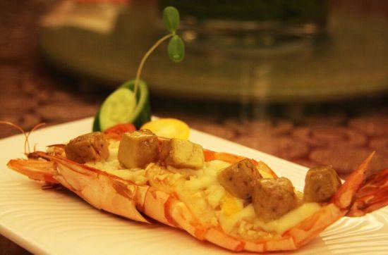 鹅肝酱蒜香焗大虾