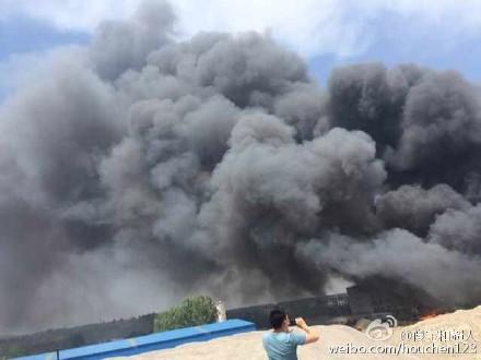 济南伊利乳业发生火灾 暂无人员伤亡