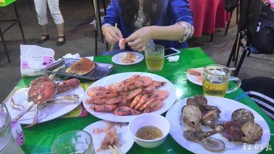青岛38元一只大虾餐馆被罚9万 老板失联