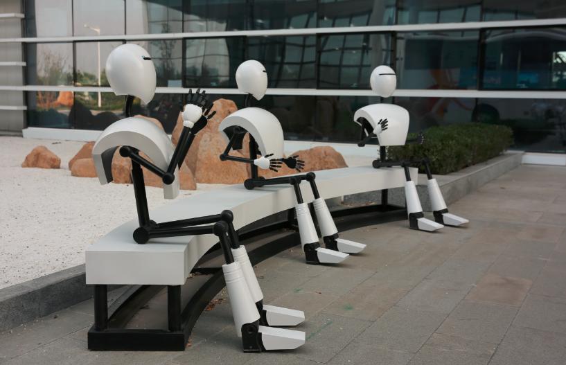 世界四大机器人家族齐聚青岛 高新区打造产业化基地