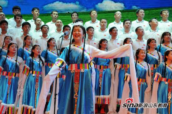 青岛港湾职业技术学院举行庆七一歌咏比赛