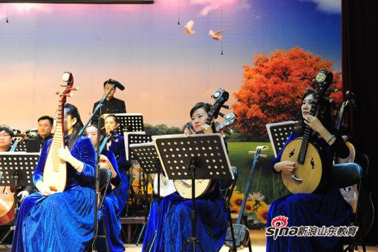 """山东省歌舞剧院""""艺术进校园公益演出""""活动在济南中学上演"""