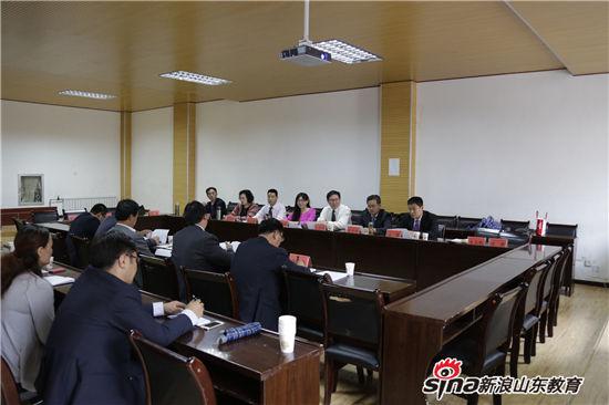 齐鲁理工学院赴青海黄南藏区援建工作组与黄南职校座谈