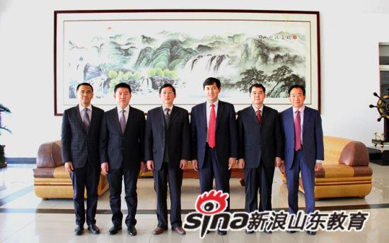 第一届党委委员 左起白海龙 耿磊 匡奕珍 李亚鹏 杜敏 孙林第
