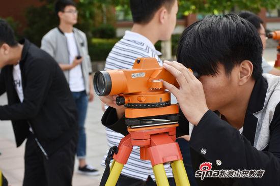 山东职业学院测量大赛助力职教周开放赛场活动