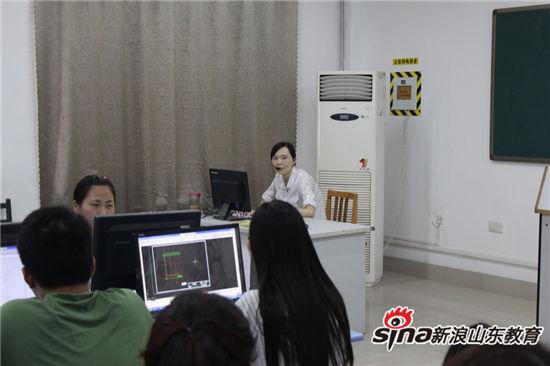 山东职业学院举办双语教学示范公开课展示活动