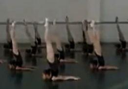 英媒报道中国舞蹈考试现场震惊网友